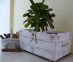 Velká truhlica-debna-kvetináč-Vintage :) Decorative Boxes, Vintage, Home Decor, Dinner, Vintage Comics, Interior Design, Home Interiors, Decoration Home, Interior Decorating
