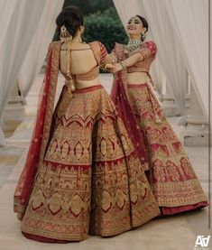 Indian Bridal Photos, Indian Bridal Outfits, Indian Bridal Fashion, Indian Bridal Wear, Indian Fashion Dresses, Dress Indian Style, Indian Gowns, Indian Designer Outfits, Wedding Lehenga Designs
