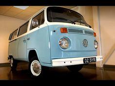Veiling volkswagen bus. Mooie strakke VW T2B Bus met de vlotte 2 liter motor (met carburateurs). 9 zitter en van de achterbank is een bed te maken. Interieur is netjes, zo ook de lak. APK tot 30-03-2018. Nederlandse papieren. Transport en export is mogelijk tegen meerprijs. Tellerstand: 83.523 Prijs: op dit moment in veiling.