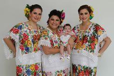 Amigos del Museo de Arte Popular A.C. (Mexico): Terno y Traje Tipico de Quintana Roo Traditional Mexican Dress, Traditional Dresses, Ethnic Outfits, Ethnic Clothes, Beautiful Mexican Women, Folklore, Chicano Art, Quintana Roo, Cultural Diversity