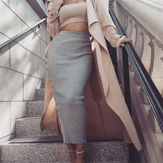 Long Tight Skirt, Tight Skirt Outfit, Maxi Skirt Outfits, Long Maxi Skirts, Swag Dress, Women's Skirts, Street Style Trends, Urban Street Style, Pastel Outfit