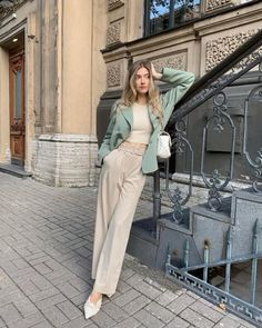 Cute Casual Outfits, Stylish Outfits, Fashion Outfits, Mode Simple, Classy Casual, Looks Style, Parisian Style, Minimal Fashion, Zara Tops