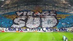 Belo mosaico da torcida do Olympique de Marseille [França].