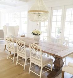 New Farmhouse Dining Room Chairs Restoration Hardware 17 Ideas Farmhouse Dining, Interior, Dining Room Chairs, White Wood Table, Home Decor, House Interior, Dining Room Decor, Dining Room Inspiration, Dining Room Table