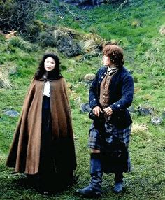 """""""Every man and woman in the world needs to know how to defend themselves, Sassenach, especially those married to a Fraser. Outlander Serie, Watch Outlander, Outlander Funny, James Fraser Outlander, Outlander Quotes, Outlander Season 1, Sam Heughan Outlander, Diana Gabaldon Outlander, Diana Gabaldon Books"""