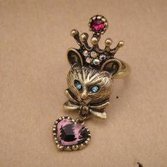 Кот в короне кольцо