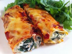Spinach and ricotta cannelloni Spinach Ricotta Cannelloni, A Food, Good Food, Food And Drink, Yummy Food, Mexican Food Recipes, Italian Recipes, Ethnic Recipes, Raw Food Recipes
