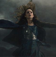 thor the dark world jane foster on set    Thor: The Dark World' first trailer comes online