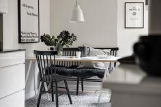 Post: Almacenar leña en el salón --> Almacenar leña en el salón, blog decoración nórdica, chimenea, decoración interiores, decoración invierno, estilo escandinavo, salones nórdicos