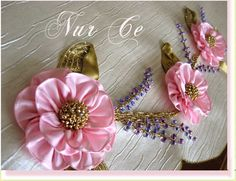 This Pin was discovered by Мар Ribbon Embroidery Tutorial, Silk Ribbon Embroidery, Hand Work Embroidery, Embroidery Patterns, Hand Work Design, Ribbon Art, Ribbon Candy, Brazilian Embroidery, Flower Tutorial