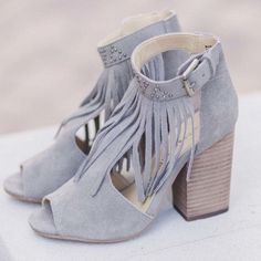 ISO these GORGEOUS shoes!! NOT FOR SALE!!! If anyone knows where I can find these or sees a similar pair please tag me. Not picky on color, just love the style! Shoes