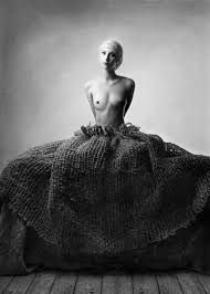 Картинки по запросу Ilona Pulkstene Buddha, Statue, Black And White, Art, Art Background, Black N White, Black White, Kunst, Performing Arts