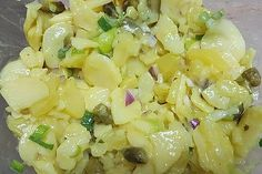 Kartoffelsalat mit Essig und Öl Potato salad with vinegar and oil, a tasty recipe from the category vegetables. Vinegar Potato Salad, Salad Vinegar, Zucchini Gratin, Oven Vegetables, Veg Dishes, Great Appetizers, Food Design, Yummy Snacks, Grilling Recipes