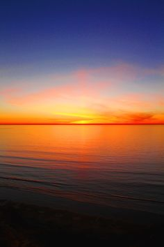 Sunset over the ocean, photography Beautiful Sunset, Beautiful World, Beautiful Places, Beautiful Scenery, Simply Beautiful, Amazing Sunsets, Amazing Nature, Cool Pictures, Beautiful Pictures