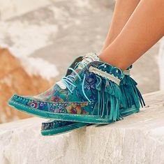 The bohemian pattern is one of the greatest ones. In the present post we are going to glance through amazing boho chic shoes to take a stab at the boulevards… Bohemian Boots, Gypsy Boots, Boho Shoes, Boho Fashion, Fashion Shoes, Womens Fashion, Fashion Quiz, Fashion Mask, Fashion Spring