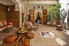 Riads of Marrakech are intertwined with the history of the city. So when staying in Marrakech, it's the natural choice to stay in a riad. The riads make up some of the top luxury hotels in Marrakech medina. Riads In Marrakech, Marrakech Morocco, Moroccan Room, Moroccan Interiors, Moroccan Decor, Moroccan Design, Moroccan Style, Le Riad, Houses
