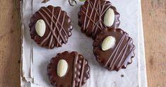 Rakúske čokoládové kolieska - SvetReceptov.sk Biscuits, Sugar, Cookies, Food, Basket, Crack Crackers, Crack Crackers, Essen, Biscuit