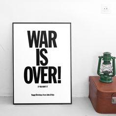 """John & Yoko - """"War is Over"""" - Poster Alta Qualità su carta lucida fotografica - Formato, 50cmx70cm: Amazon.it: Casa e cucina"""