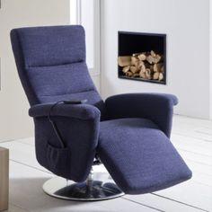 Elegantní a pohodlné otočné relaxační křeslo, použitelné i jako doplněk k sedacím soupravám. V látkovém i celokoženém provedení. Volitelná manuální nebo motorová funkce polohování. 2 velikostní varianty. Floor Chair, Recliner, Lounge, Flooring, Furniture, Home Decor, Chair, Airport Lounge, Drawing Rooms