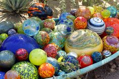 I have one of these balls I bought from Seattle Glassworks- would love to have a whole collection of them!