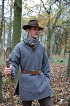 Wool blanket bushshirt with very nice details including full-width front pocket and leather edging at collar.