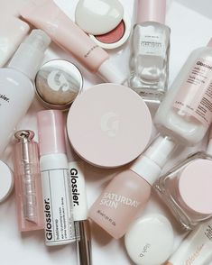 There's probably a chance you've heard of Glossier. You know, that beauty brand that every low-maintenance, no-makeup makeup lover is obsessed with. You've probably even bought something (or everything) because their marketing, packaging, photography… Beauty Care, Beauty Skin, Beauty Makeup, Face Beauty, Makeup Kit, Beauty Tips, Chanel Makeup, Makeup Stuff, Glossy Makeup