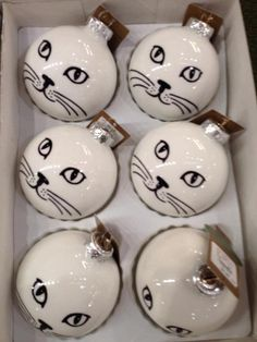 Foto: Cat Themed Holiday Ornaments You and Your Family Can Make. Geplaatst door ivkiona op Welke.nl