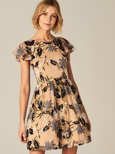 0311fbd305 Sukienka z wycięciem na plecach