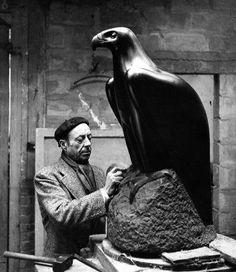 Atelier Robert Doisneau | Site officiel // Matteo Hernandez à Meudon 1942
