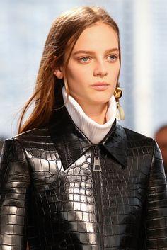 Louis Vuitton Fall 2014 Ready-to-Wear Fashion Show Details