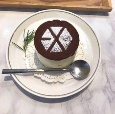 Cute Food, Yummy Food, Bts Cake, Exo Album, Exo Xiumin, Exo Memes, Aesthetic Food, Dessert Recipes, Desserts