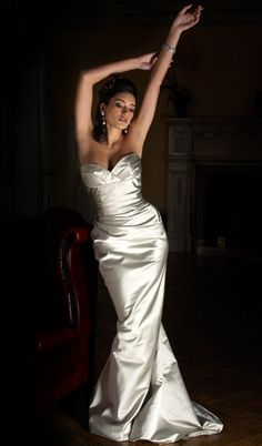 La Diva - Angelina Colarusso Bridal - The PERFECT Marilyn Monroe Wedding Gown
