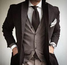 #menwithstyle #robertgraham #nordstrom #mauijim #hugoboss #simplydapper #mensfashion #swagger #mensstyle #gentleman #bananarepublic #johnstonmurphy