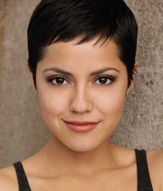 Today we have the most stylish 86 Cute Short Pixie Haircuts. We claim that you have never seen such elegant and eye-catching short hairstyles before. Pixie haircut, of course, offers a lot of options for the hair of the ladies'… Continue Reading → Very Short Pixie Cuts, Very Short Haircuts, Popular Short Hairstyles, Hairstyles For Round Faces, Short Hair Cuts For Women, Pixie Hairstyles, Straight Hairstyles, Short Hair Styles, Choppy Haircuts