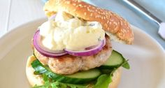 Slank recept voor een kipburger met tzatziki.