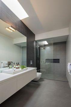 Hawthorn East bathroom renovation contrast wall, better version of Stanley Bathroom Rugs, Bathroom Storage, Bathroom Ideas, Bathroom Designs, Stylish Home Decor, Decor Interior Design, Bathroom Accessories, New Homes, Luxury Bathrooms