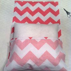 Fold Over Pillowcase DIY {Pillowcase}---i keep forgetting which way to fold it.