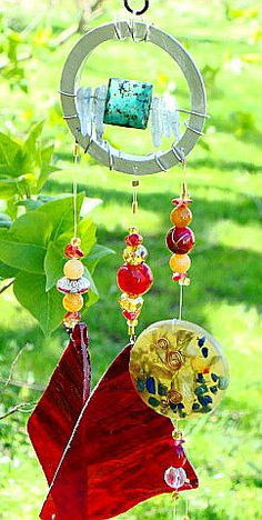by dragonchimes via Etsy. Jade Crystal, Glass Crystal, Red Glass, Glass Art, Feng Shui Wind Chimes, Crystal Wind Chimes, Wind Sculptures, Seashell Crafts, Suncatchers