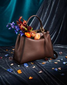 Fendi Peekaboo is Barneys Must Have Bag of the month. Celebrating Italian luxury style the house's new classic is perfect for everyday use. Photography Bags, Fashion Photography, Product Photography, House Photography, Fendi Peekaboo Bag, Shooting Bags, Fashion Still Life, Photo Bag, Flower Bag