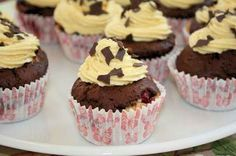 Marmor-Cupcakes mit Vanillecreme, vegan