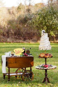 A Gilmore Girls Wedding Girls Party Decorations, Wedding Reception Decorations, Wedding Ideas, Wedding Cupcakes, Wedding Desserts, Wedding Cake, Gilmore Girls Fashion, Film Star Wars, Tea Cart