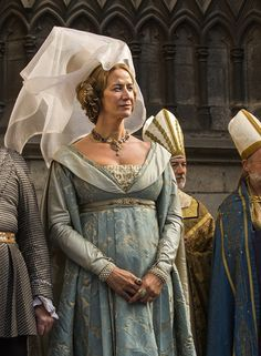 Clothing medieval - the white Queen (Movie) - Jacquetta of Luxemburg - Mother of Elisabeth Woodville Medieval Costume, Medieval Dress, Medieval Fantasy, Medieval Hats, Isabel Woodville, Elizabeth Woodville, Philippa Gregory, The White Princess, White Queen