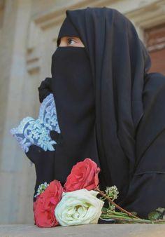 Arab Girls Hijab, Muslim Girls, Muslim Couples, Beautiful Muslim Women, Beautiful Hijab, Niqab Fashion, Muslim Fashion, Hijabi Girl, Girl Hijab