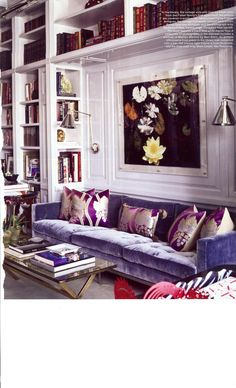 love the blue velvet sofa with purple home design interior design designs design Le Living, My Living Room, Home And Living, Living Spaces, Br House, Blue Velvet Sofa, Velvet Lounge, Velvet Cream, Purple Velvet