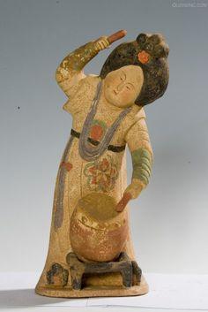 唐代 - 打鼓俑 ( 彩陶 ) figurine dynastie des Tang Terracota, Ancient China, Ancient Art, China Today, Traditional Sculptures, China Art, Chinese Ceramics, Sculpture Clay, Chinese Antiques