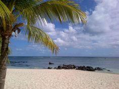 Le Victoria Hotel, Mauritius - Beach (carole219, juil. 2013) Court séjour très agréable