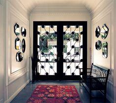 puerta de hierro y vidrio