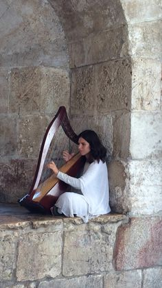 Jerusalem❤️ We actually saw this woman playing at Jaffa Gate.
