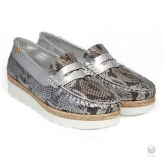 Global Wealth Trade Corporation - FERI Designer Lines Leather Loafers, Cow Leather, Metallic Prints, Selling On Pinterest, Silver Heels, Boat Shoes, Women's Shoes, Loafer Flats, Sneakers