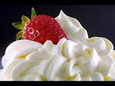 Como hacer Crema Chantilly o Whipped Cream - YouTube